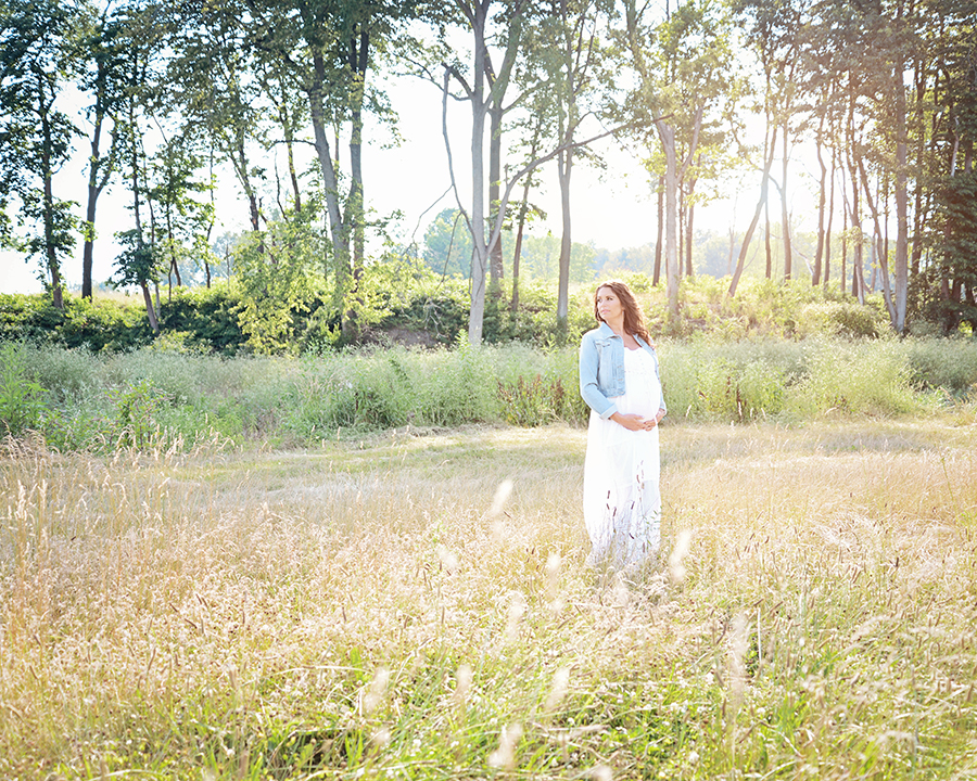 maternity pictures, maternity portraits, Fort Wayne photographer, Columbia City photographer, natural light maternity pictures, pregnancy portraits,