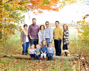 Columbia City photographer, family portraits, family pictures, outdoor family pictures, fall family pictures, Ft. Wayne Photographer, natural light family portraits,