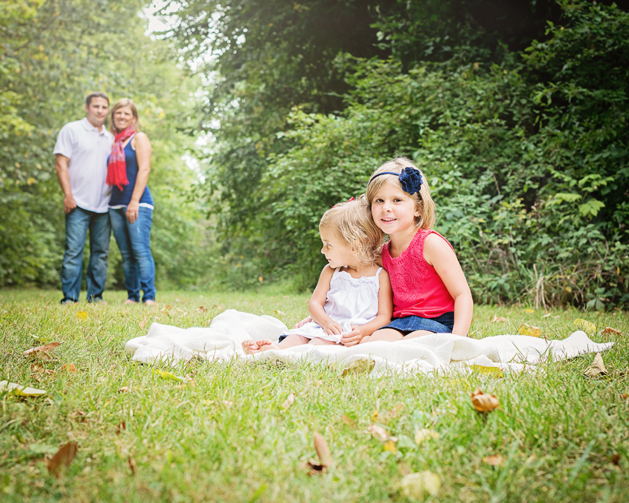 outdoor family portraits, family pictures, Fort Wayne family portrait photographer, Columbia City family photographer