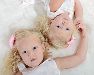 children portraits, sibling portraits, Columbia City Photographer, Ft. Wayne Photographer, portrait photography, little girl portraits
