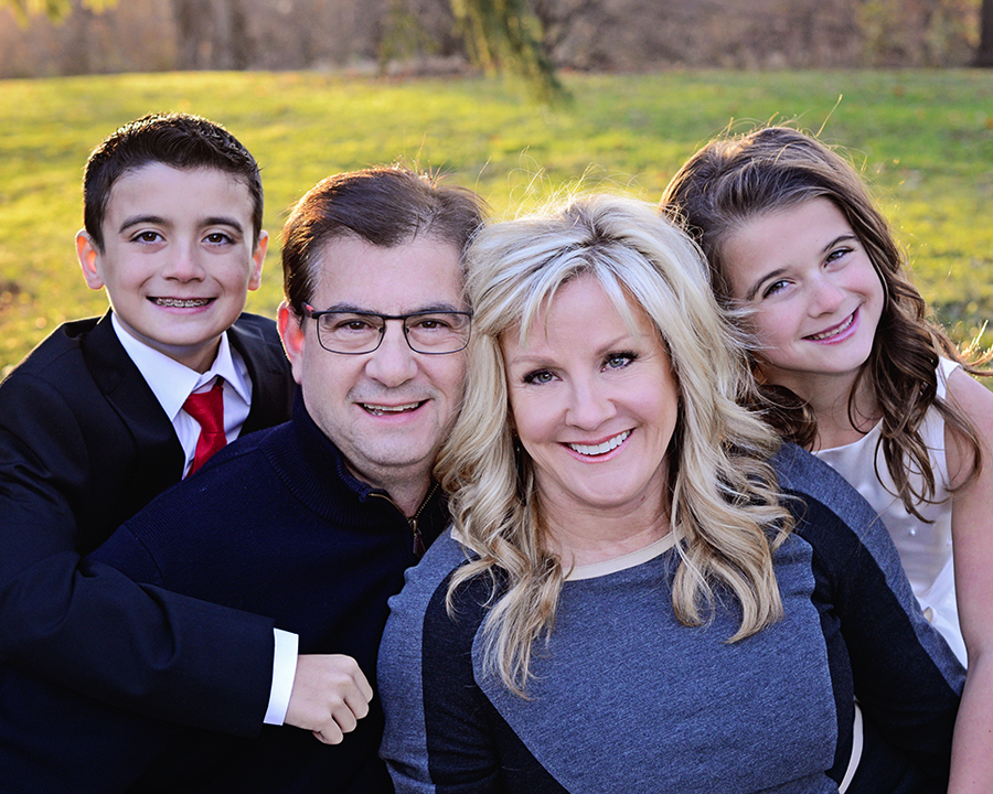Outdoor family pictures, Christmas family pictures, sibling pictures, Formal Family Portraits