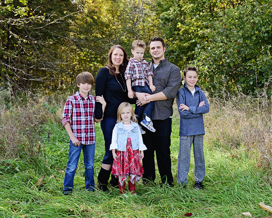 outdoor family portraits, family of 6 portraits