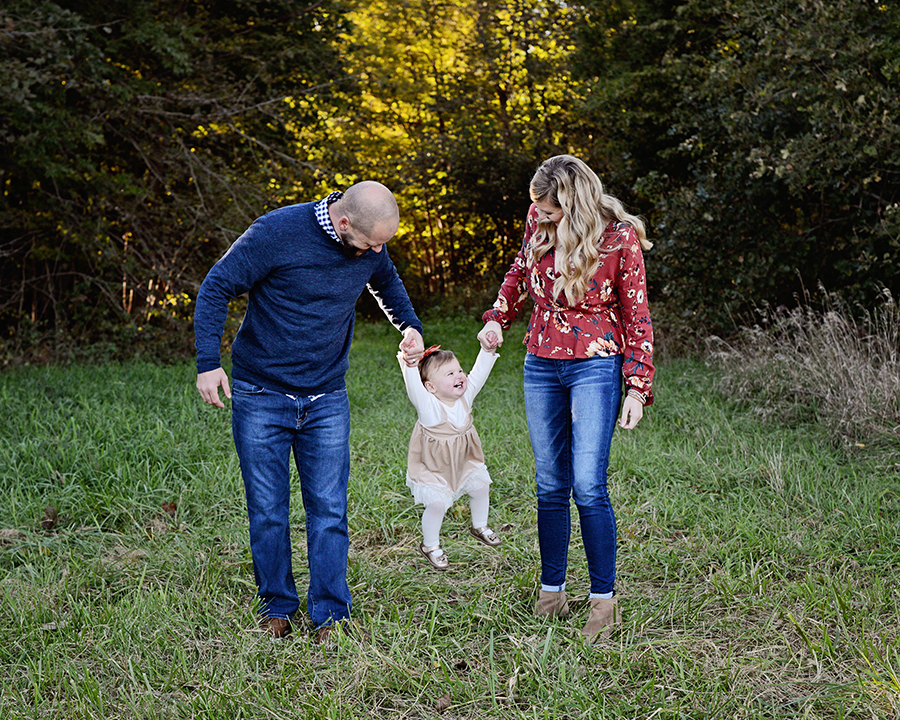candid family portraits, fall family portraits