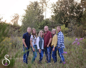 fall family portraits, family portraits with older kids